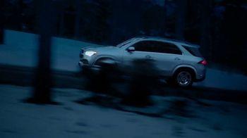 2020 Mercedes-Benz GLE TV Spot, 'Alice in Wonderland' [T2] - Thumbnail 2