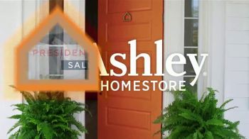 Ashley HomeStore Presidents Day Sale TV Spot, 'Extended: Hot Buys' Song by Midnight Riot - Thumbnail 1