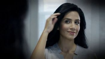 Groh TV Spot, 'Brows, Lashes and Hair' - Thumbnail 1