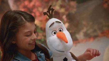 Disney Frozen 2 Follow-Me-Friend Olaf TV Spot, 'It's Me' - Thumbnail 9
