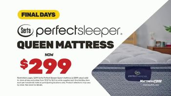 Mattress Firm Cyber Monday Sale TV Spot, 'King For Queen: Weighted Blanket' - Thumbnail 8