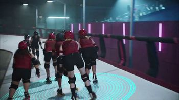 2020 Nissan Altima TV Spot, 'Roller Derby' Song by The Donnas [T2] - Thumbnail 2