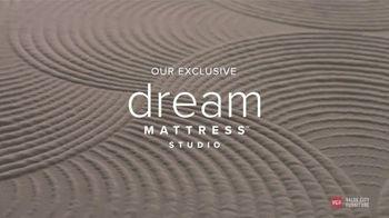 Value City Furniture TV Spot, 'Dream Mattress Studio: $500 Off' - Thumbnail 4