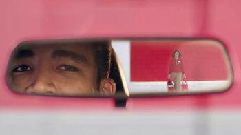 Target Drive Up TV Spot, 'Secret Santa' canción de Danna Paola [Spanish] - Thumbnail 5