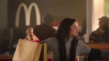 McDonald's Snickerdoodle McFlurry TV Spot, 'Enjoy the Holidays' - Thumbnail 7