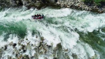 Land Rover Season of Adventure Sales Event TV Spot, 'River Rafting' [T2] - Thumbnail 2