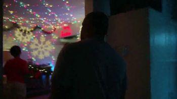 Facebook Groups TV Spot, 'Mama Claus' - Thumbnail 8