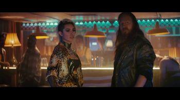 Sprint TV Spot, 'Holidays: Roadside Bar: Galaxy S10' con Prince Royce [Spanish] - Thumbnail 2