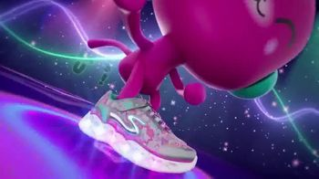 SKECHERS Heart Lights TV Spot, 'Glitter and Glow' - Thumbnail 3