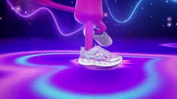 SKECHERS Heart Lights TV Spot, 'Glitter and Glow' - Thumbnail 5