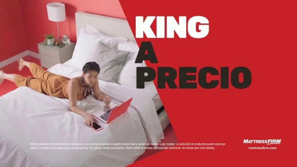 Mattress Firm Venta de Black Friday TV Commercial, 'Extendida: manta pesada y colch??n'