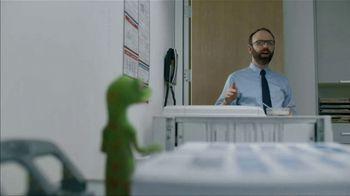 GEICO TV Spot, 'The Gecko Makes Copies' - Thumbnail 4