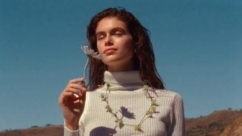 Marc Jacobs Daisy TV Spot, \'Nothing Can Stop Us\' Featuring Kaia Gerber Song by Saint Etienne