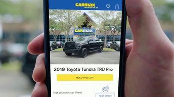 CarMax TV Spot, 'Personal Assistant' Featuring Mojo Rawley - Thumbnail 7