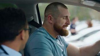 CarMax TV Spot, 'Personal Assistant' Featuring Mojo Rawley - Thumbnail 9