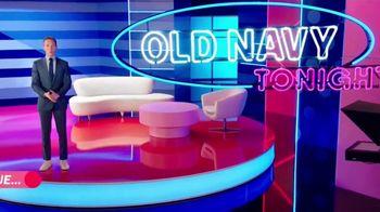 Old Navy TV Spot, '¿Qué es mejor que fleece?: 30 por ciento' con Neil Patrick Harris, Billy Eichner [Spanish] - Thumbnail 2