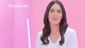 Cicatricure Anti-Wrinkle Night Cream TV Spot, 'Menos arrugas' [Spanish] - Thumbnail 6