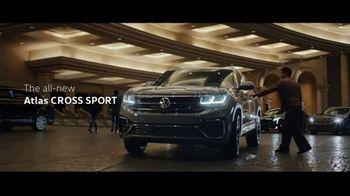 Volkswagen Atlas Cross Sport TV Spot, 'The Accountant: Part I' Featuring Paul Giamatti [T1] - Thumbnail 9