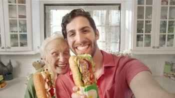 Subway TV Spot, 'Compra un Footlong y llévate otro gratis' [Spanish] - Thumbnail 9