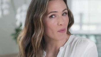 Neutrogena Rapid Wrinkle Repair TV Spot, 'Who Has Time For Wrinkles?' Featuring Jennifer Garner - Thumbnail 10