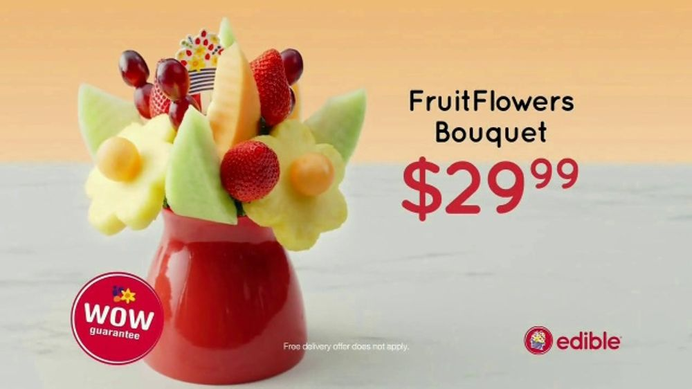 Edible Arrangements Christmas Commercial 2020 Edible Arrangements FruitFlowers Bouquet TV Commercial, 'Office