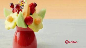 Edible Arrangements FruitFlowers Bouquet TV Spot, 'Office Birthday Blues' - Thumbnail 4