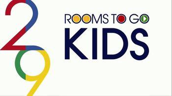 Rooms to Go Kids Venta de Aniversario TV Spot, 'Dormitorio de Disney Princess' canción de Junior Senior [Spanish] - Thumbnail 1