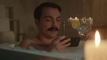 Quibi TV Spot, 'Tub Time' Featuring Kirby Jenner - Thumbnail 4