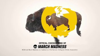 Buffalo Wild Wings TV Spot, 'March Madness: Celebrating' - Thumbnail 10