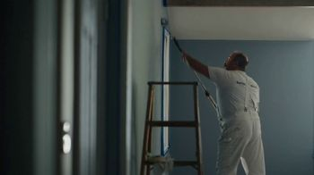Benjamin Moore TV Spot, 'See the Love: He Loves This' - Thumbnail 3