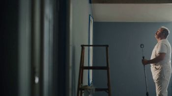 Benjamin Moore TV Spot, 'See the Love: He Loves This' - Thumbnail 4