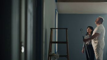 Benjamin Moore TV Spot, 'See the Love: He Loves This' - Thumbnail 5