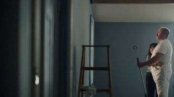 Benjamin Moore TV Spot, 'See the Love: He Loves This' - Thumbnail 6