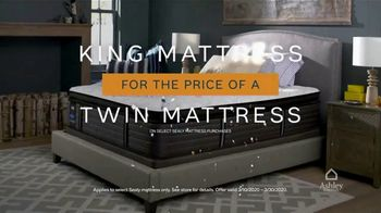 Ashley HomeStore 75th Anniversary Mattress Sale TV Spot, 'King for a Twin: Zero Interest' - Thumbnail 5