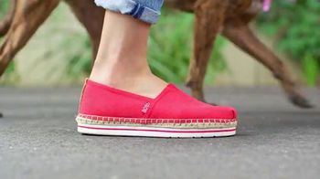 Bobs From SKECHERS TV Spot, 'Pets Saved' - Thumbnail 10