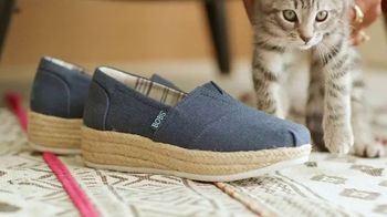 Bobs From SKECHERS TV Spot, 'Pets Saved' - Thumbnail 8