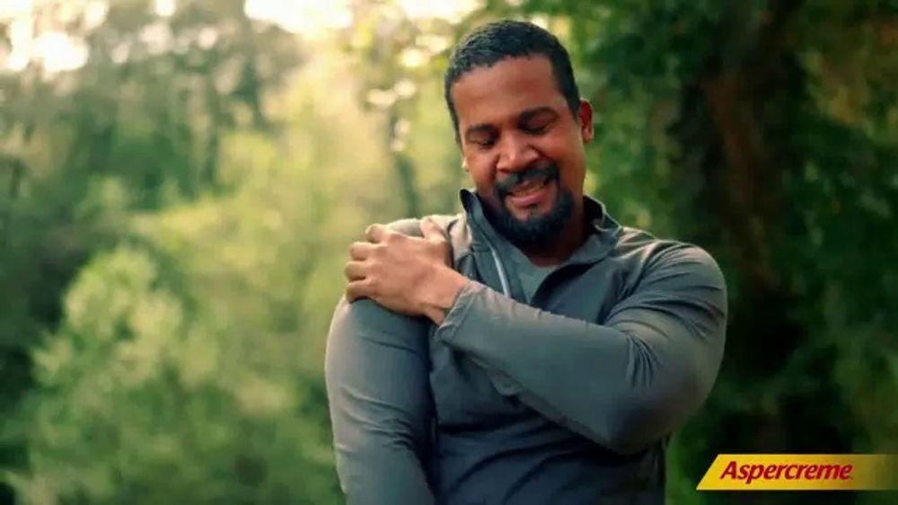 Aspercreme TV Commercial, 'El amor duele' canci??n de Nazaret
