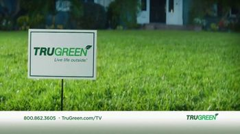 TruGreen TV Spot, 'Aliens: 50 Percent Off First Service' - Thumbnail 10