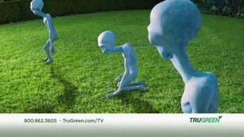 TruGreen TV Spot, 'Aliens: 50 Percent Off First Service' - Thumbnail 8
