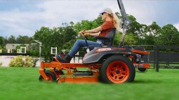 Kubota Z400 Mower TV Spot, 'Your Lawn Deserves It'