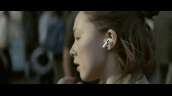 Apple AirPods Pro TV Spot, 'Snap' Song by Flume - Thumbnail 1