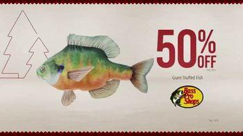 Bass Pro Shops Holiday Kickoff Sale TV Spot, 'Giant Stuffed Fish and Baitcast Reel' - Thumbnail 4