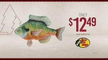 Bass Pro Shops Holiday Kickoff Sale TV Spot, 'Giant Stuffed Fish and Baitcast Reel' - Thumbnail 5