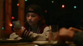 Samsung Galaxy TV Spot, 'Connect Your Galaxy This Holiday' - Thumbnail 4