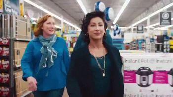 Walmart TV Spot, 'Compras de Black Friday' canción de Bomba Estéreo [Spanish] - Thumbnail 7