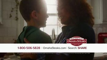 Omaha Steaks TV Spot, 'Perfect Holiday Gift' - Thumbnail 7