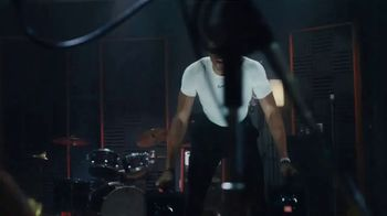 JBL True Wireless TV Spot, 'Grinding All Day' Featuring Giannis Antetokounmpo, Song by Swoope - Thumbnail 4
