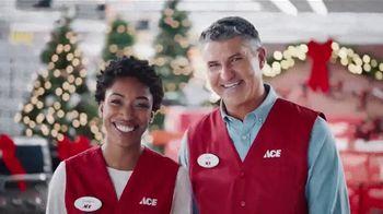 ACE Hardware TV Spot, 'Around the Block: Holiday Lights' - Thumbnail 7