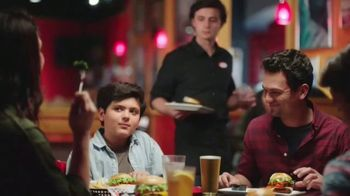 Red Robin TV Spot, 'Bottomless Fun with Your Fam' - Thumbnail 5