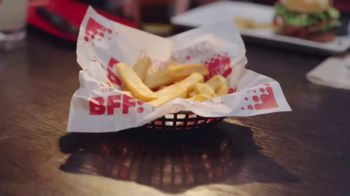 Red Robin TV Spot, 'Bottomless Fun with Your Fam' - Thumbnail 7